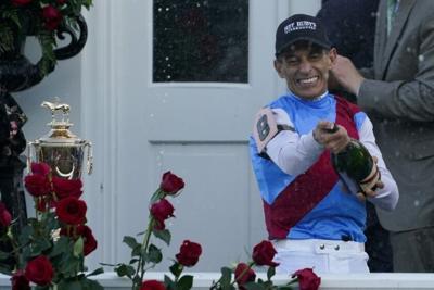 Jockey Velazquez repeats wire-to-wire effort in Derby win