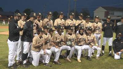 """Big 3rd inning helps Murray to All """"A"""" Region title over Carlisle County"""