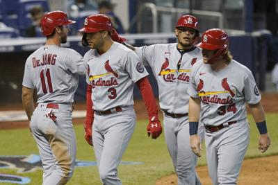 Cardinals catcher Molina gets favorable report on sore foot