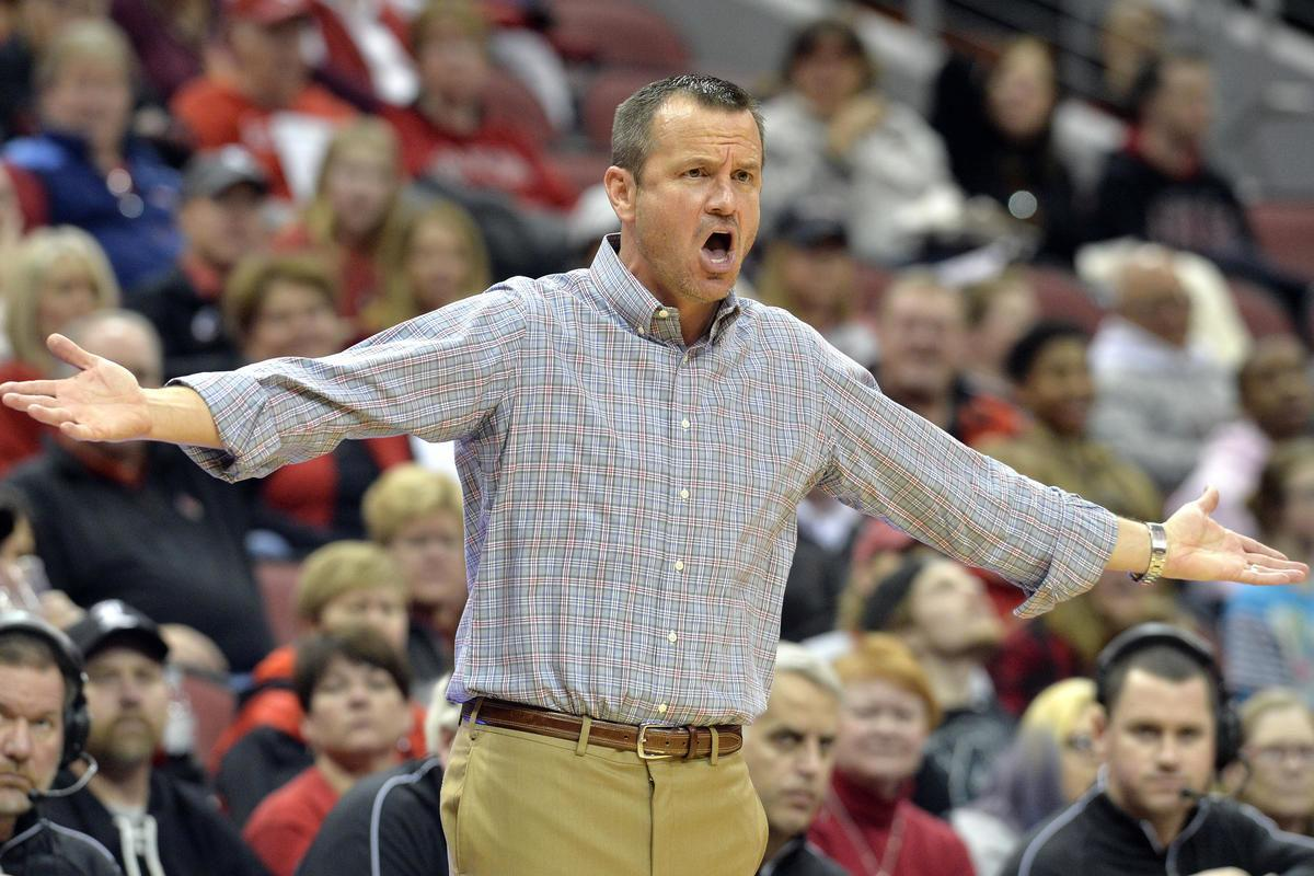 UofL baseball, basketball coaches get new contracts