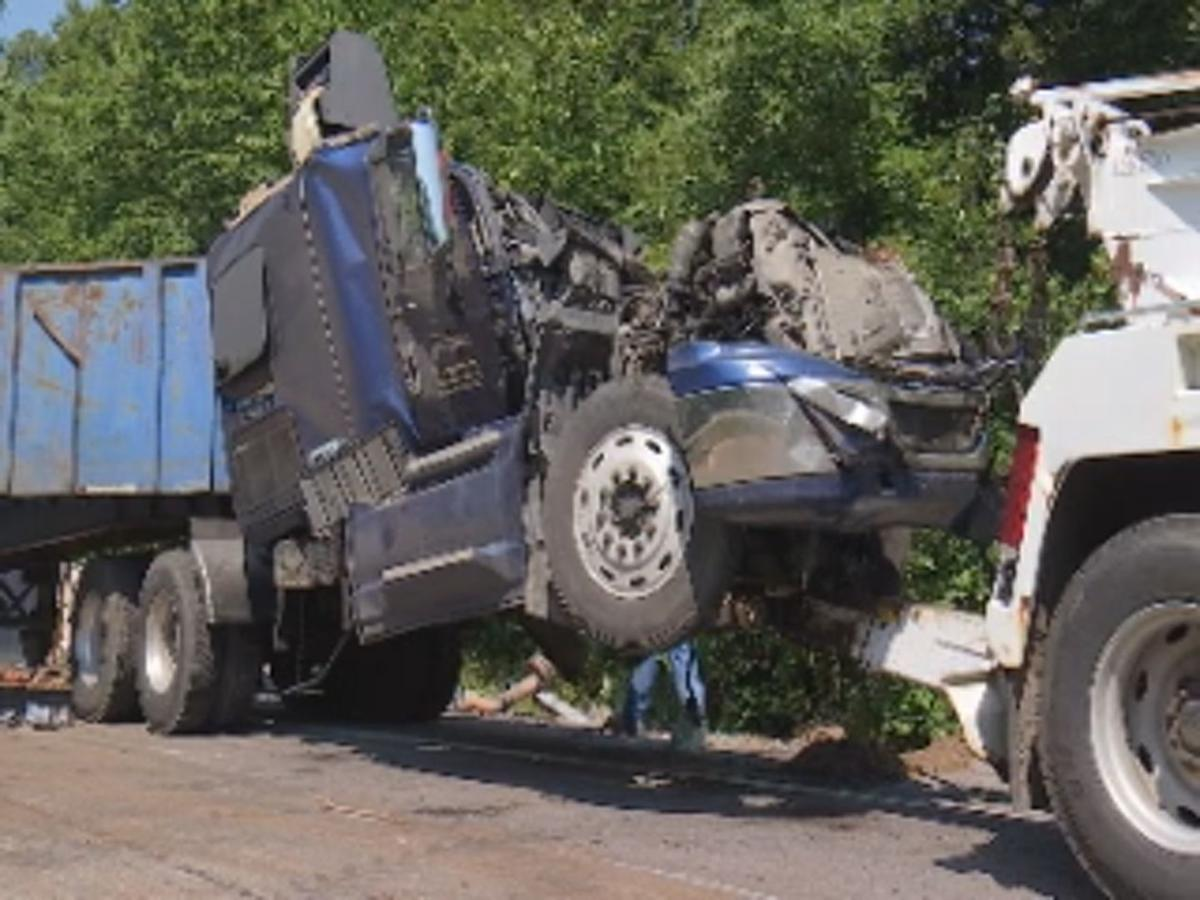 How To Find Out About Recent Car Accidents >> Four Crashes Involving Semitrailers On Local Highways In