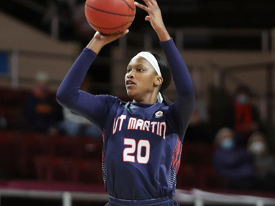 Perry becomes 1st Skyhawk drafted into the WNBA