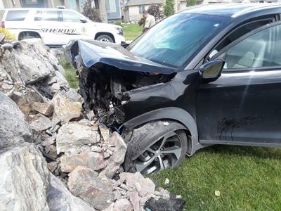 Baby delivered safely after mother blacks out, crashes vehicle