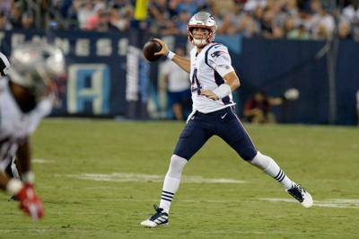 Stidham rallies Patriots to 22-17 victory over Titans