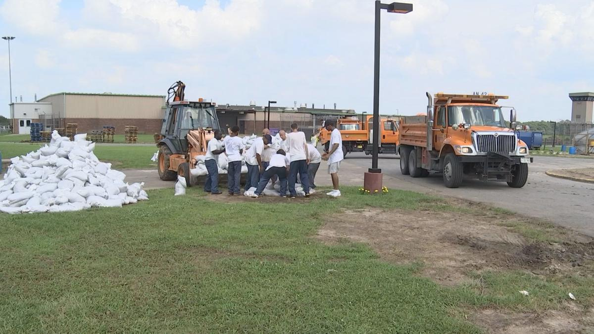 100,000-plus sandbags and counting: Shawnee Correctional