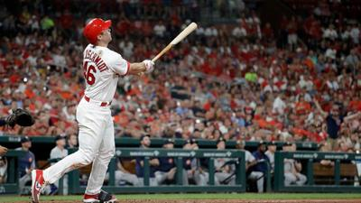 Goldschmidt hits 7th homer in 8 games, Cards beat Cubs 2-1