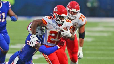 Chiefs' Edwards-Helaire rejoins Hill, others at practice