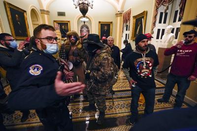 210106-washington-us-capitol-police-protest-ac-1009p_85954d027046026b0bfa84e0b10e768c.fit-2000w.jpg