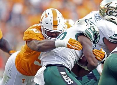 Tennessee lineman Gooden out for season with torn ACL