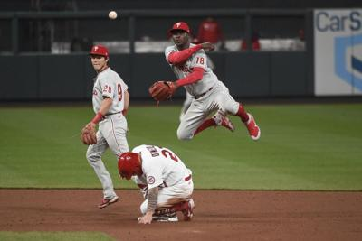 Harper hit in face, leaves game as Phils beat Cardinals 5-3