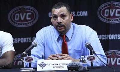 UT Martin basketball coach Anthony Stewart passes away