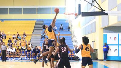 Racers complete three game sweep in Bahamas