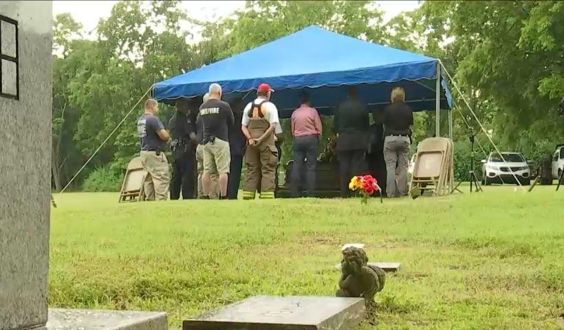 John-Doe-burial2