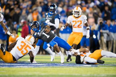 Guarantano's 2 TD passes rally Tennessee past Kentucky 17-13