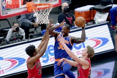 Randle scores 27 as Knicks hold off Bulls 107-103
