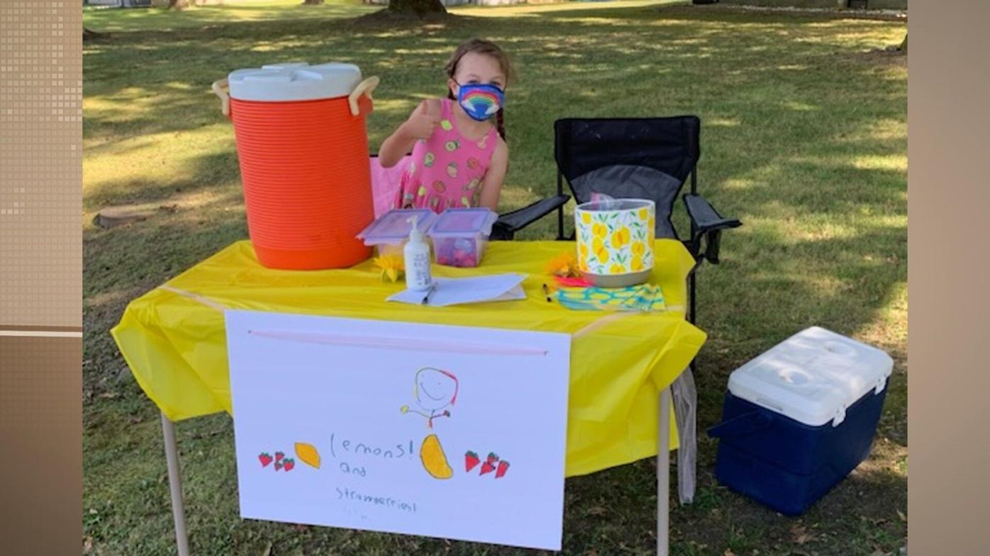 UH Peyton's Lemonade Stand for COVID Staff 1