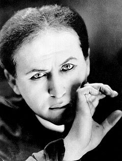 "Duffy Hudson portrays ""Houdini"" at Somonauk Library"