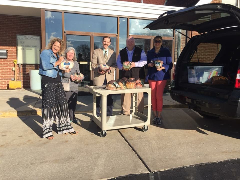 Montgomery Rotary Oswego Area Moms More Donate 46 Hams to Food