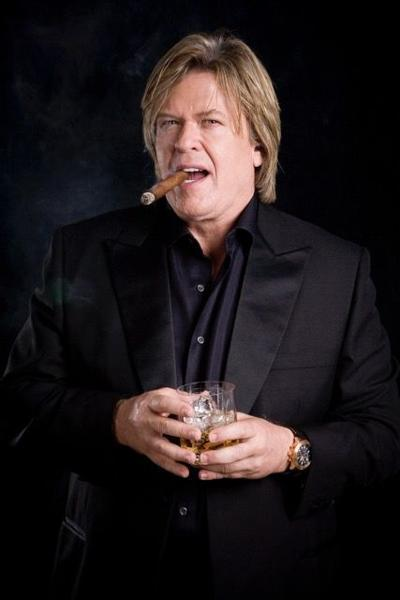Ron White bringing no-holds-barred stand-up comedy to Clay Center