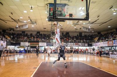 Poca's Luke Frampton throws down dunk in Williamson