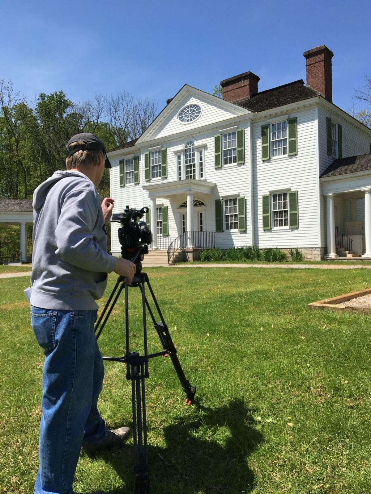 Wesley Poole prepares to shoot