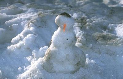 sad snowman.jpg