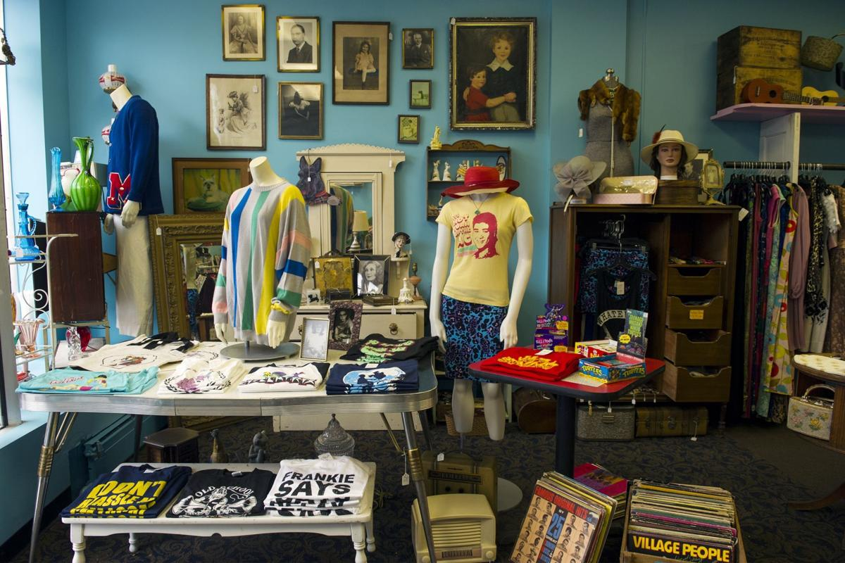 'Retro-tique' draws customers with high-quality vintage clothing, antiques and oddities