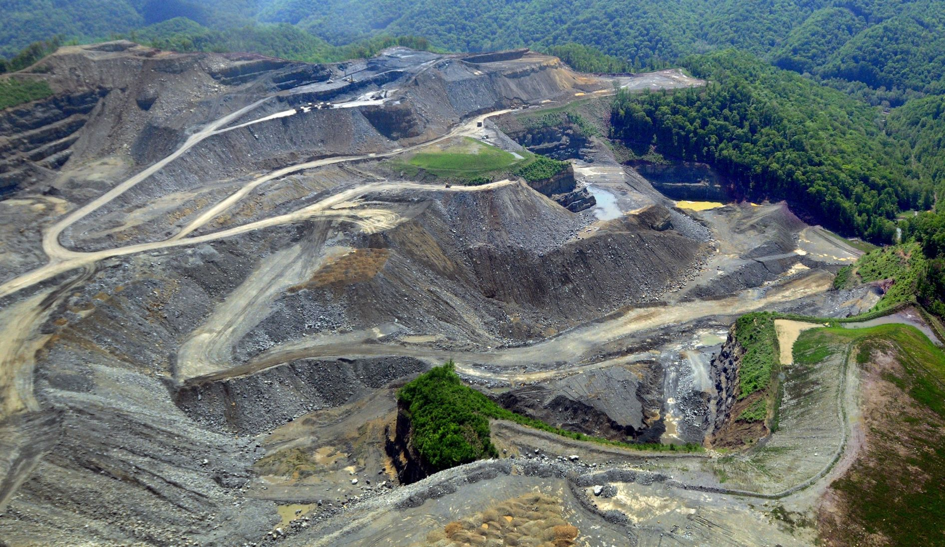 Trumpu0027s Interior Department Moves To Stop Mountaintop Removal Study