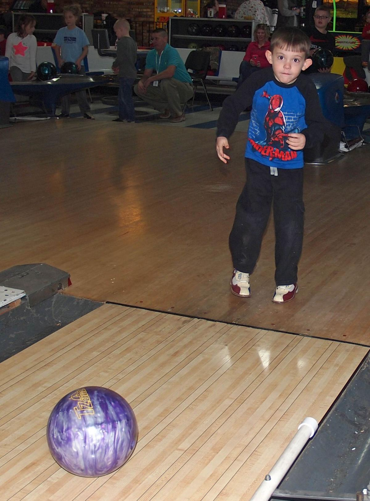 Winter youth bowling league begins at Nitro\'s Towne n Country Lanes ...