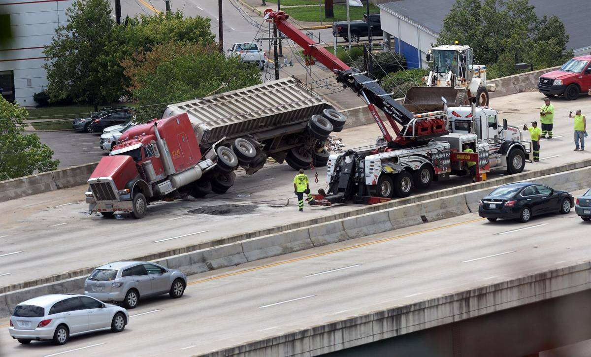 Interstate 64/77 lanes reopen after tractor-trailer wreck
