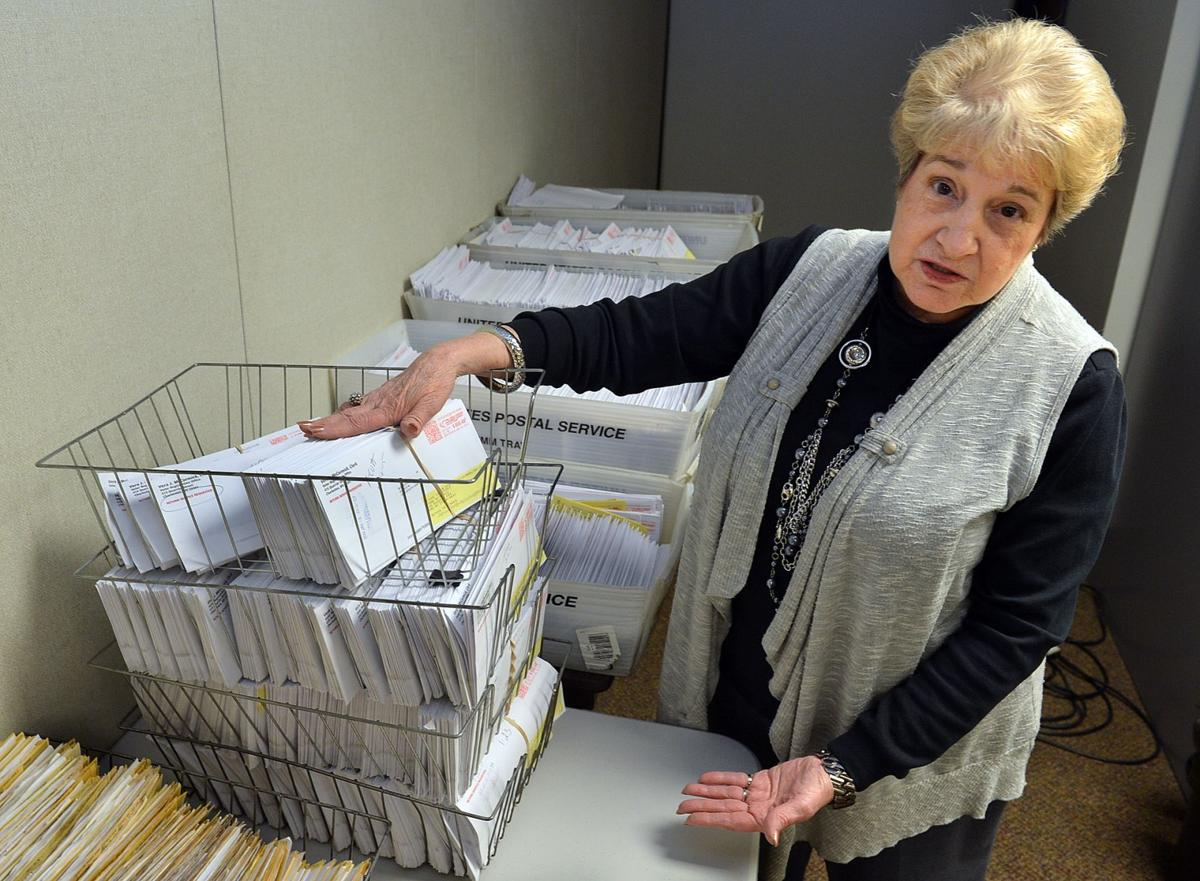Kanawha, Cabell county clerks refusing online voter registration