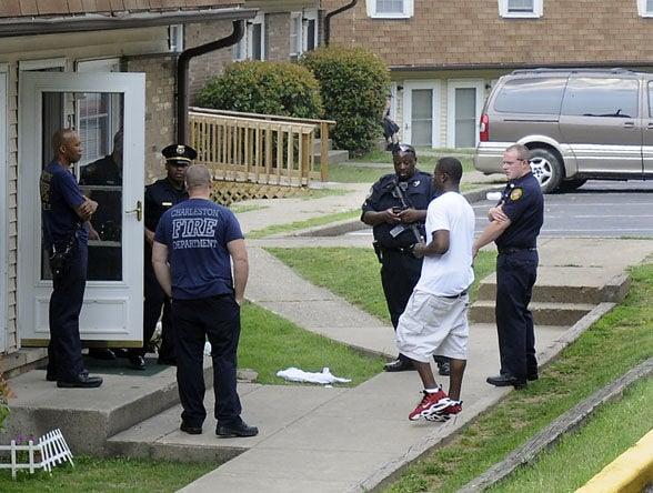 Man shoots himself at Oakwood Terrace apartments | Cops & Courts ...