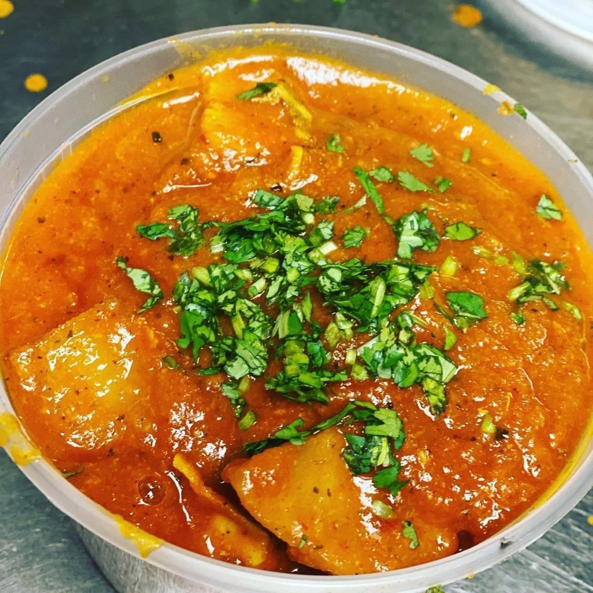 20210602-gm-food-guy_Chicken vindaloo from Nawab.jpg