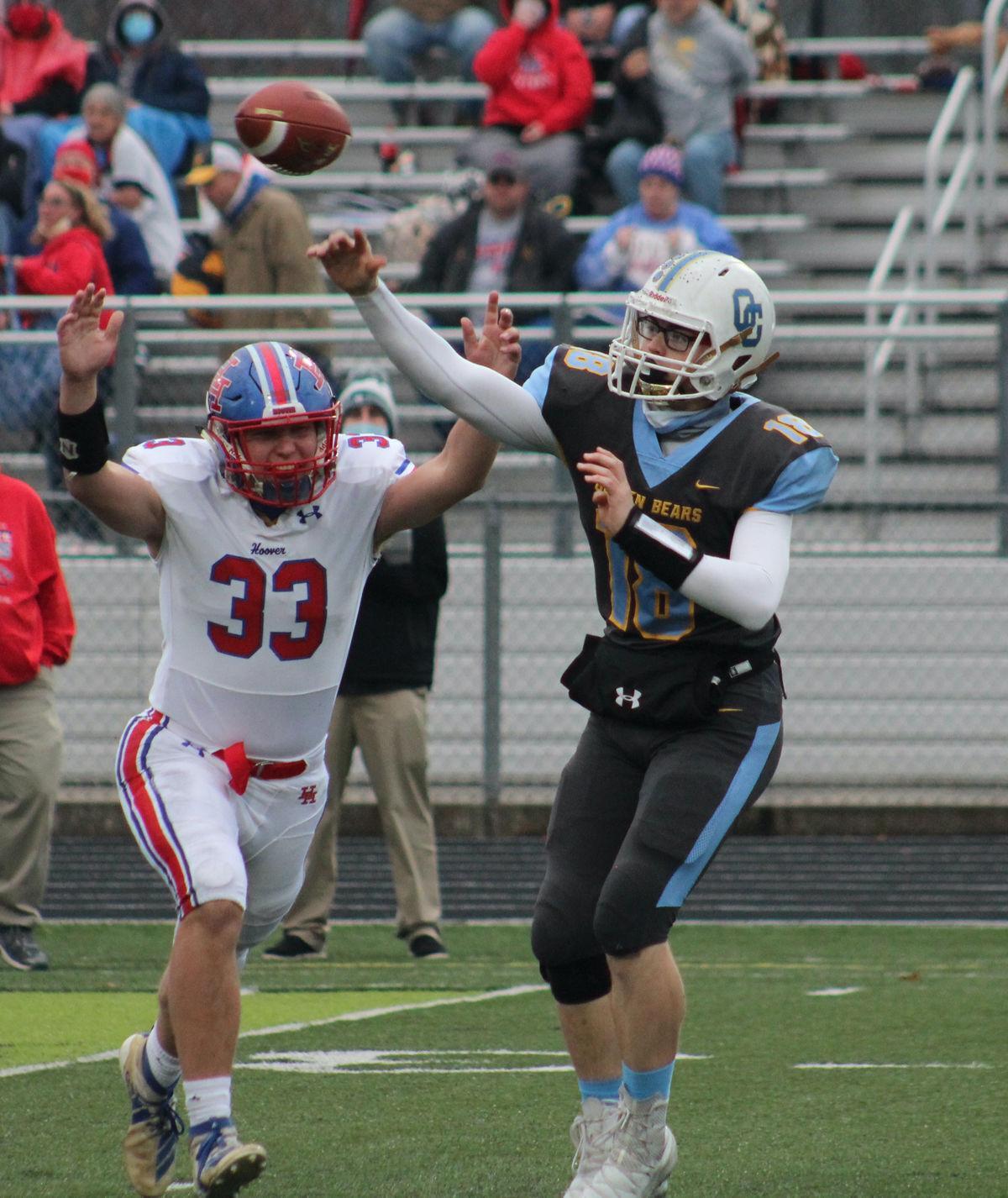 Oak Glen quarterback Nick Chaney