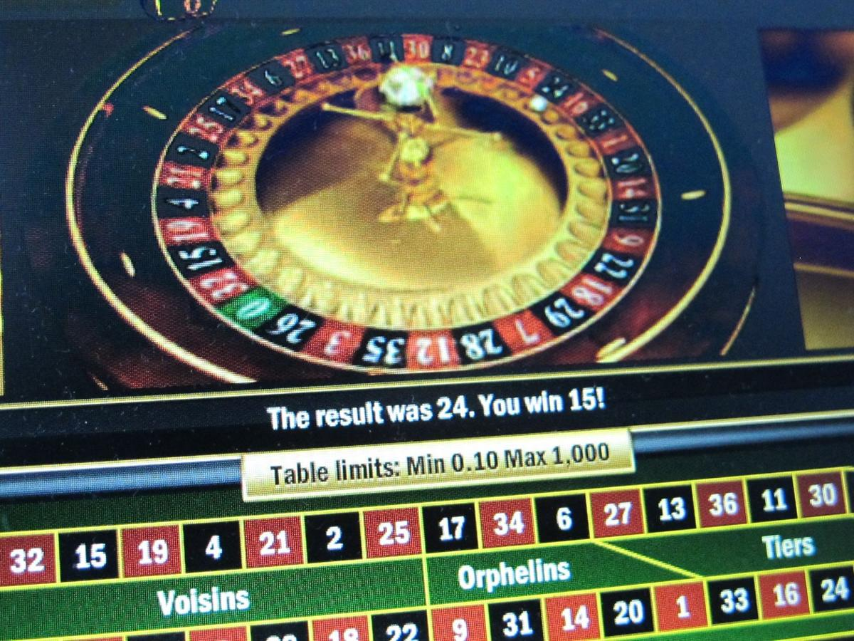 Lottery considers online gaming options