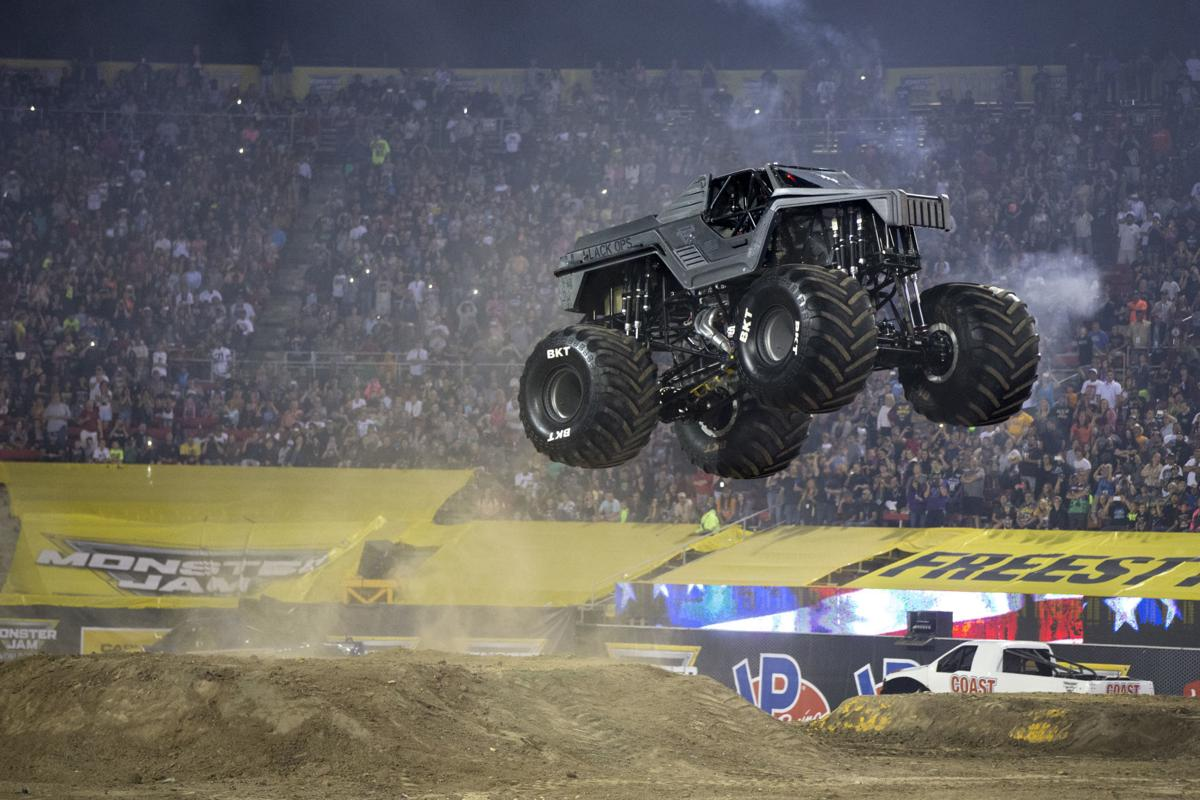 Monster Jam Roars Into Charleston Coliseum This Weekend Arts Entertainment Wvgazettemail Com