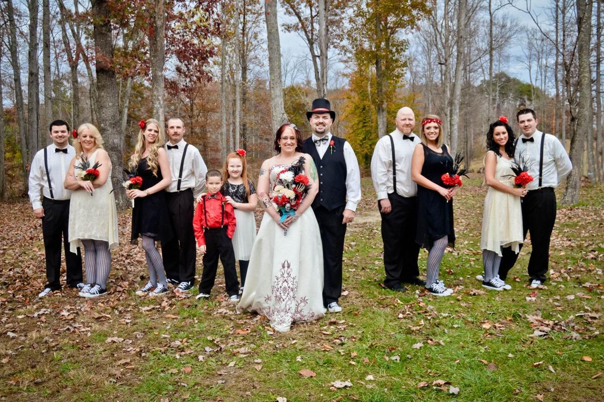 Nightmare Before Christmas Wedding.Nightmare Before Christmas Themed Wedding More Fun Than