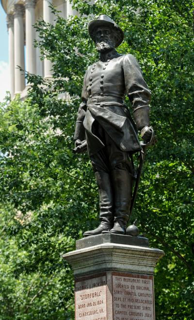 stonewall jackson statue