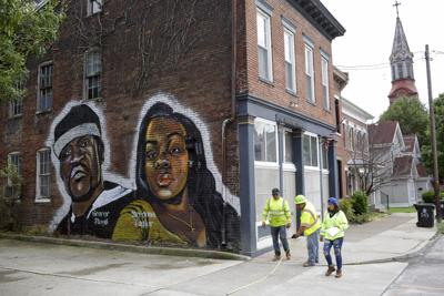 Louisville agrees to $12 million payout and policing changes in deal with family of Breonna Taylor, killed in police raid