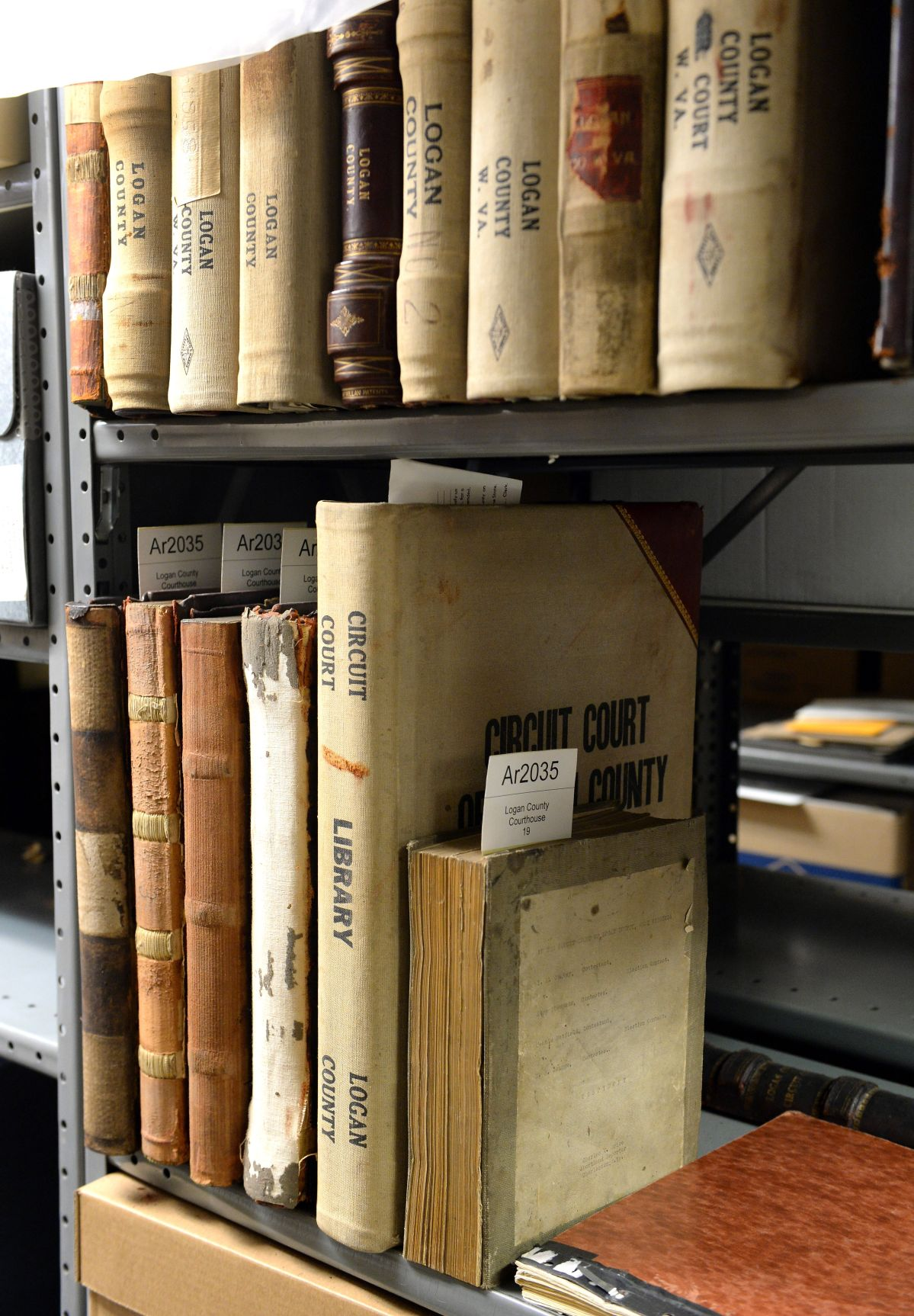 Electronic court records about practicality and preservation