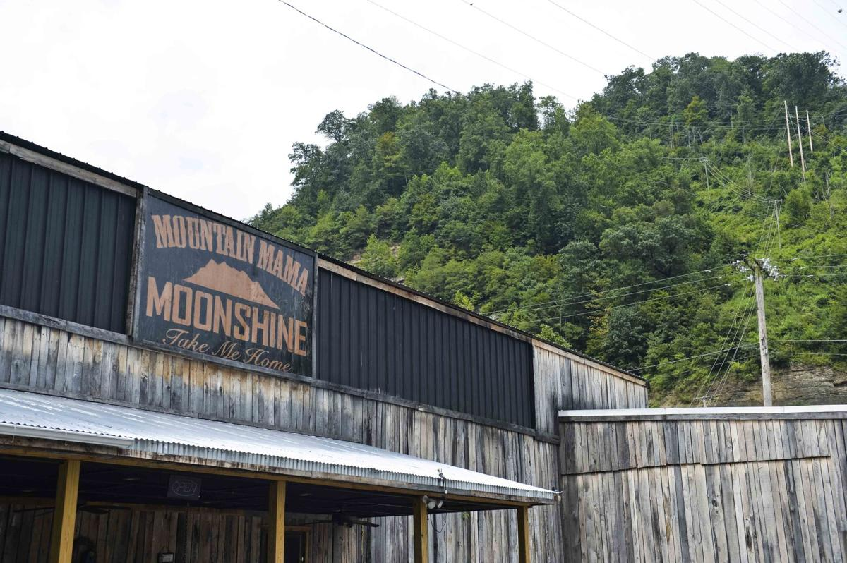 Mountain Mama Moonshine aims to help struggling Man economy