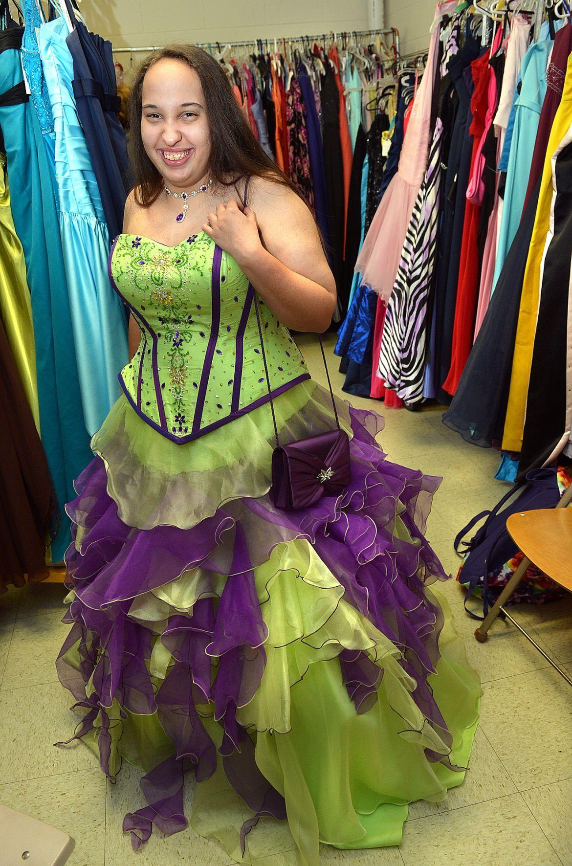 Ronda\'s Closet offers free prom dresses | News | wvgazettemail.com