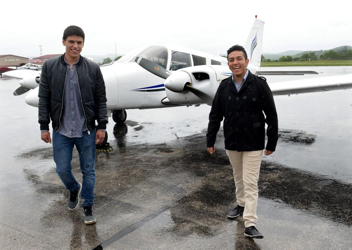 Ecuadorans choose Charleston for commercial pilot training