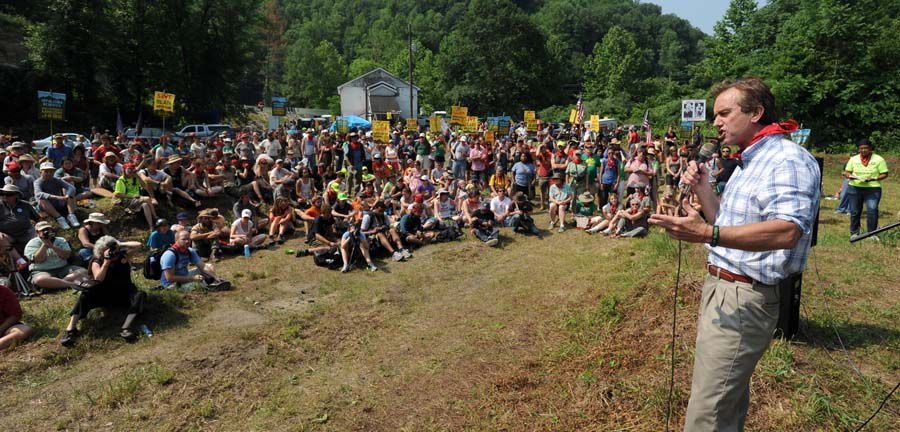 Marchers scale Blair Mountain