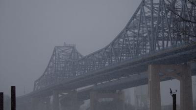 weather photo-snowy bridge