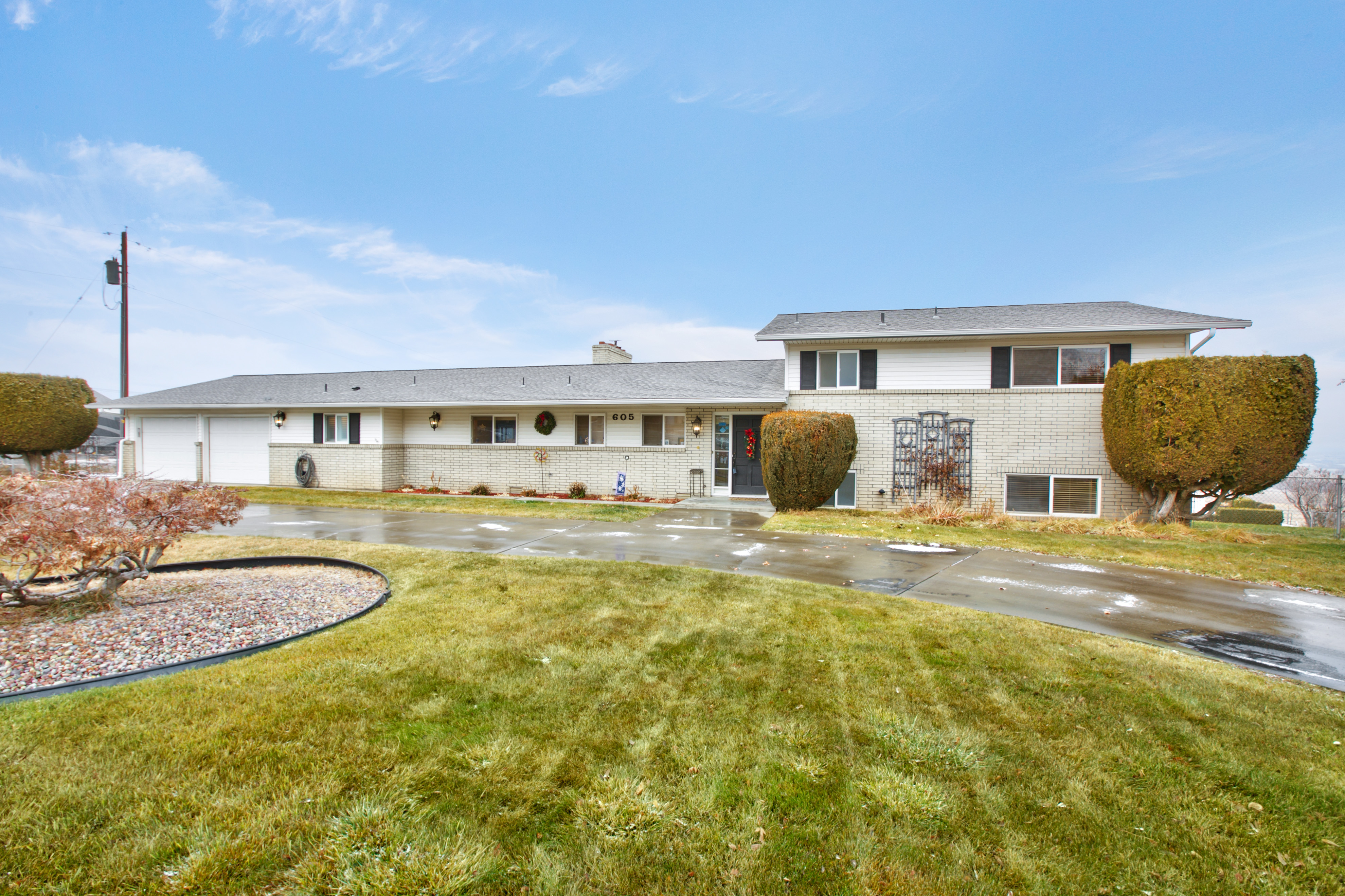 605 Meadowbrook Road, Yakima, WA 98908