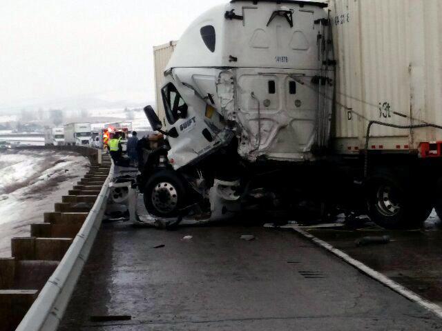 i82 semi crash 3