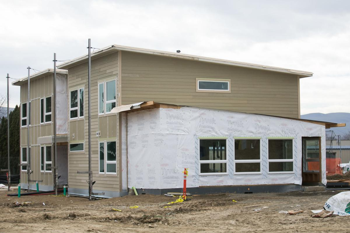 210308-yh-news-veteranshousing-2.jpg