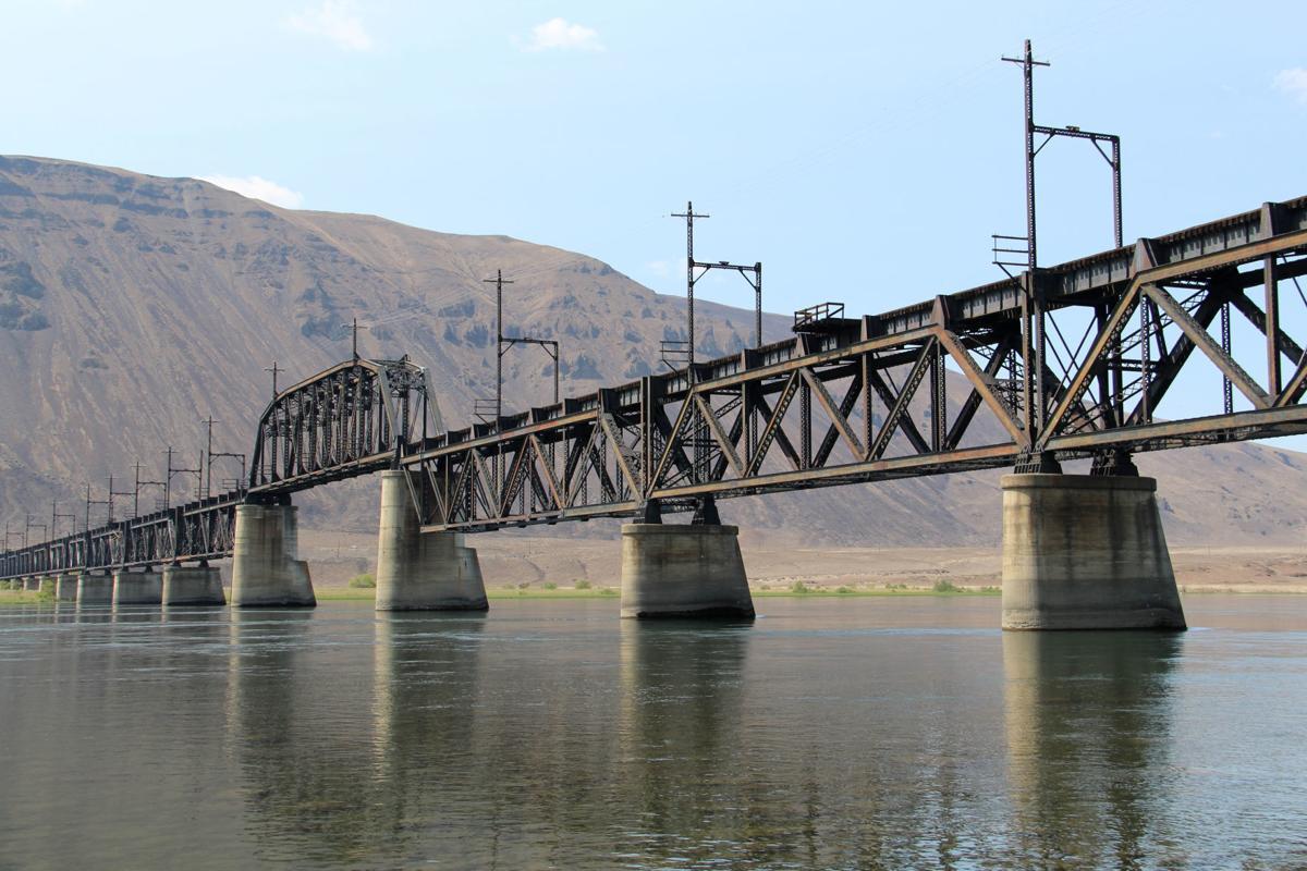 Beverly Railroad Bridge (Grant County and Kittitas County, Washington)