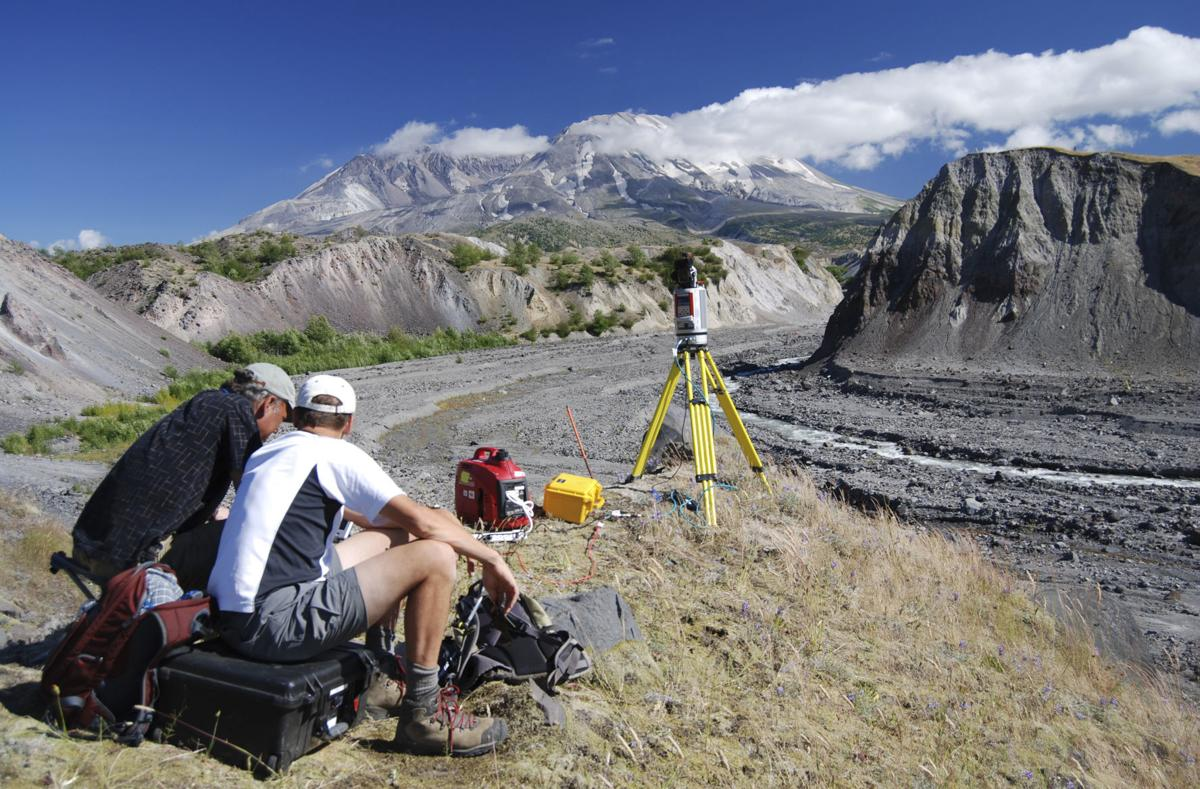 200517-yh-news-cascadevolcanoobservatory-1.jpg